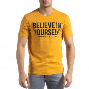 Мъжка тениска в камел гумиран принт