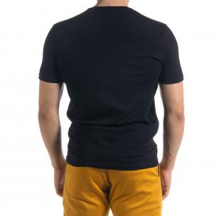 Мъжка тениска в черно гумиран принт  2
