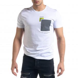 Бяла мъжка тениска с джоб