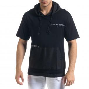 Мъжка тениска в черно с качулка