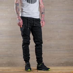 Лек мъжки панталон в черно тип джогър