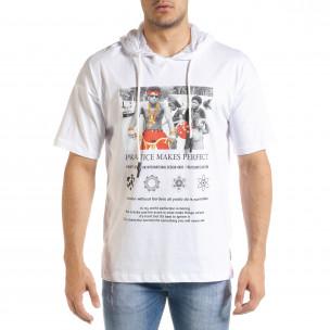 Бяла мъжка тениска с принт и качулка