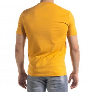 Мъжка тениска в камел гумиран принт  2