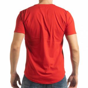 Червена мъжка тениска с ръкописен принт  2