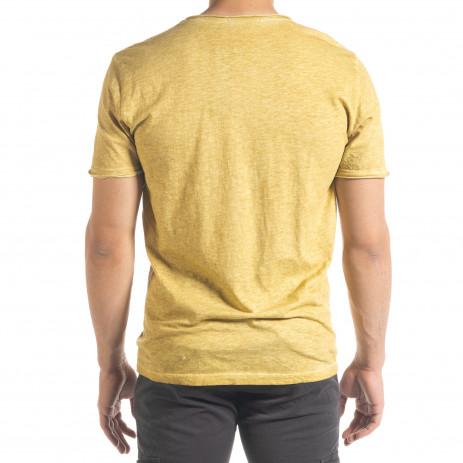 Мъжка тениска от памук и лен цвят горчица 2