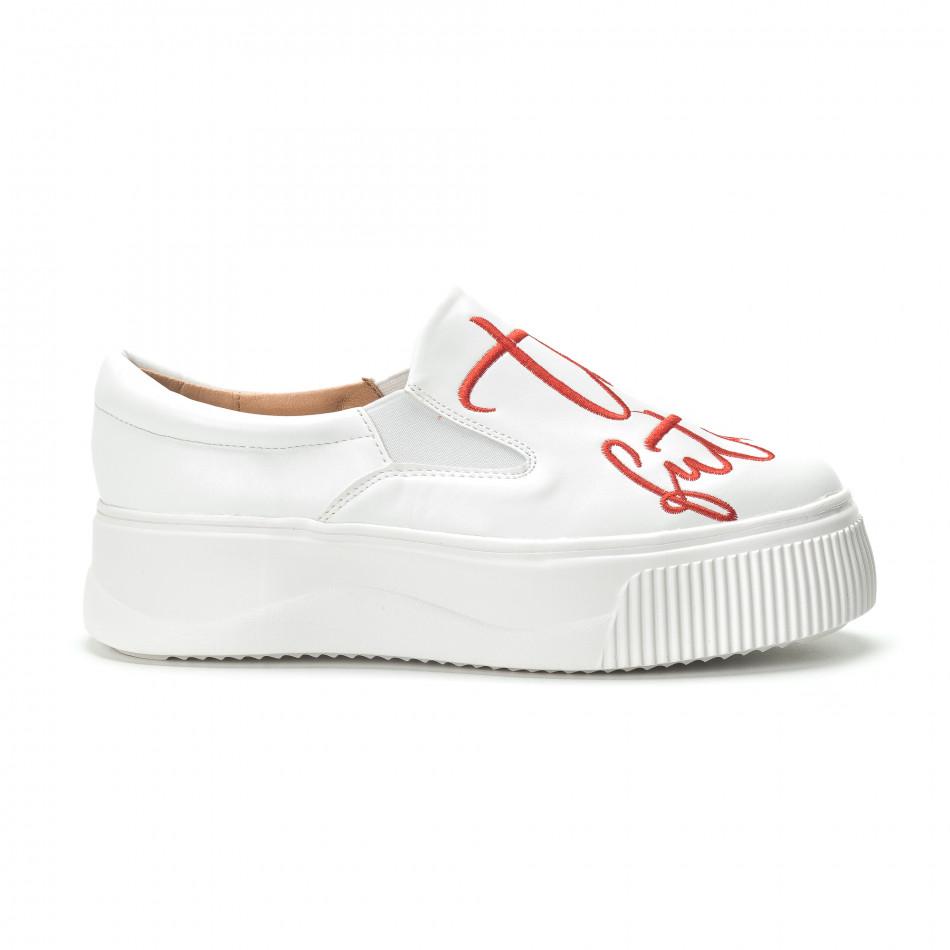 6090542cb7d Slip- on γυναικεία λευκά sneakers με κόκκινη επιγραφή. Λεπτομέρειες Αγορά