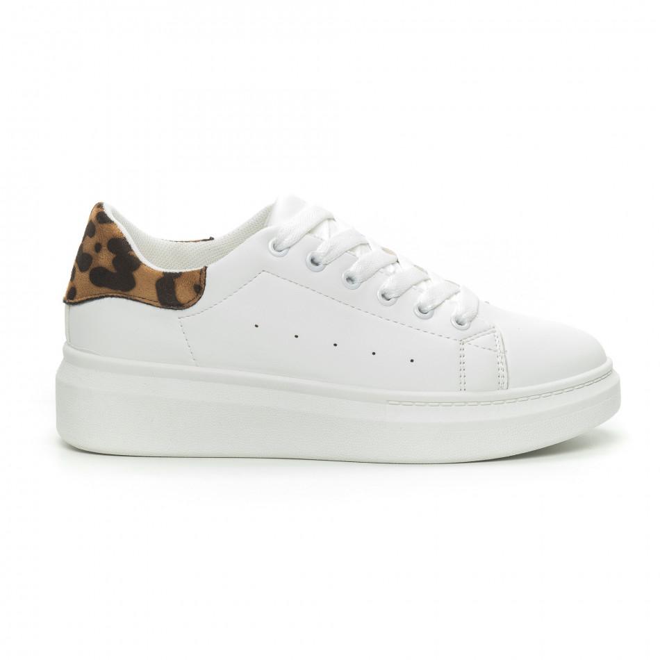 6e0be66f9b0 Γυναικεία λευκά sneakers με λεοπάρ λεπτομέρεια
