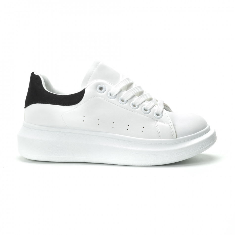 Fashionmix Γυναικεία λευκά sneakers με μαύρη λεπτομέρεια 42a89de1392