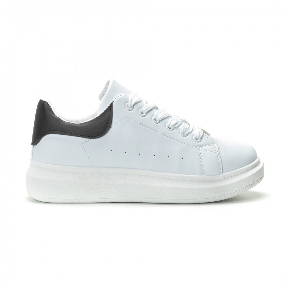 9d1d909bb6e Ανδρικά λευκά sneakers με μαύρη λεπτομέρεια