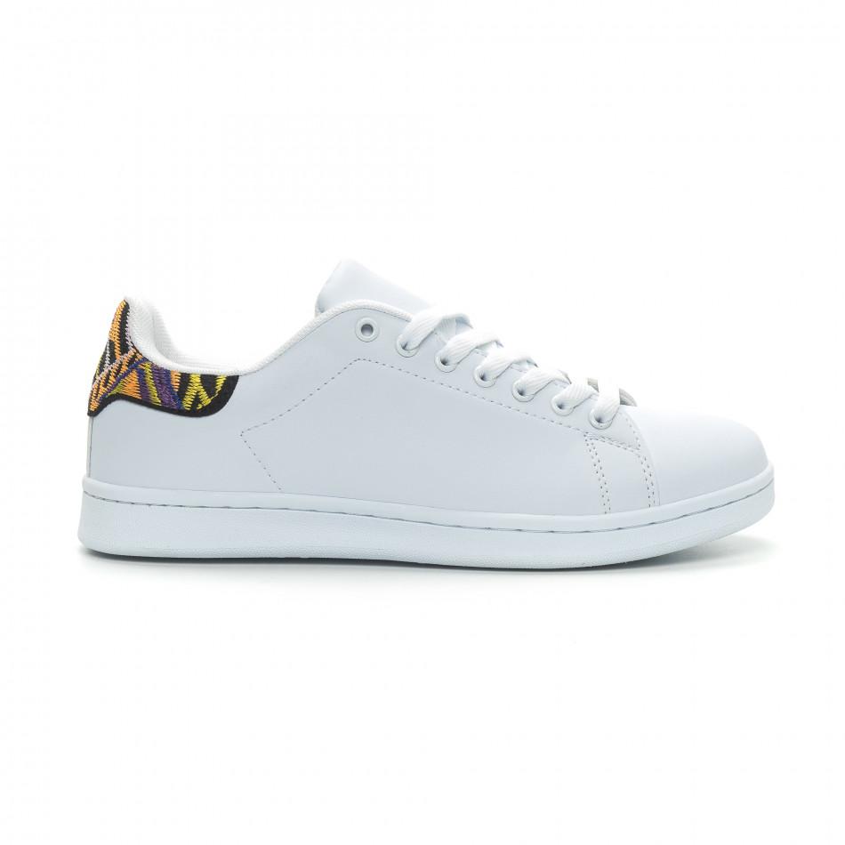 Ανδρικά λευκά sneakers με λεπτομέρεια κέντημα