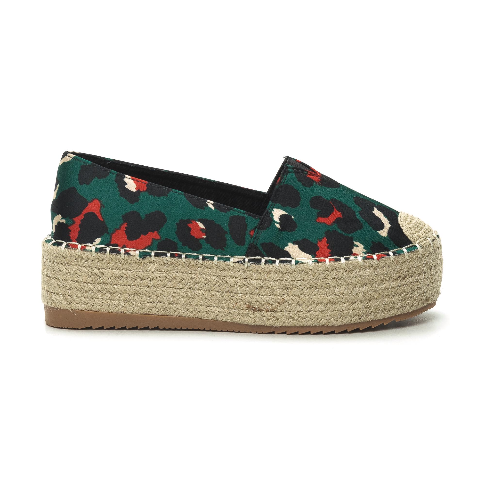 293c951dd21 Ανδρικά μαύρα αθλητικά παπούτσια Kiss με αερόσολα. 26.99 €Περισσότερα » ·  Fashionmix Γυναικείες πράσινες eσπαντρίγιες Bounarotti