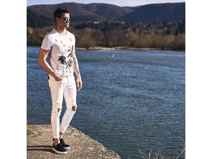 Сватбар ли съм, ако се обличам в бяло през лятото? Не, гъзар си!
