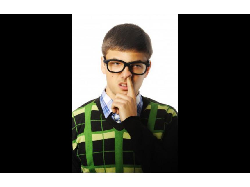 Пуловерът - враг номер едно за всеки мъж в дискотека или клуб