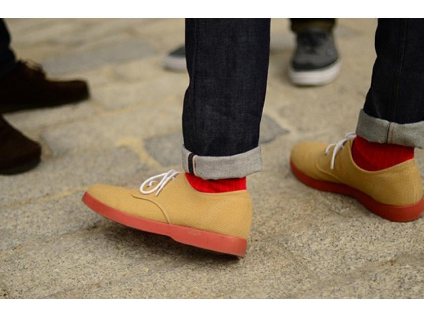 Освежете стила си с цветни чорапи